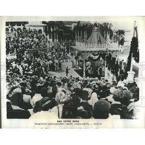 1941 Press Photo King George V and Queen Elizabeth at I - RRR80355