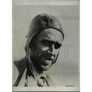 1933 Press Photo Ward T. Van Orman at Blue Lake, Ontario - nef41217