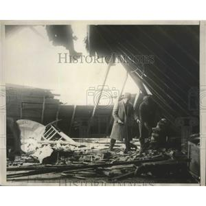 1929 Press Photo Naval Airplane Broke Its Control Wirer & Crashed Into 2 Houses
