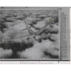 1961 Press Photo Airplane, B52 Jet Bomber - spa73833