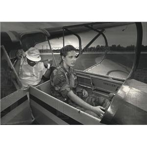 1992 Press Photo Marie Formaz checks the controls on the glider prior to takeoff