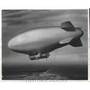 1960 Press Photo Goodyear Claims Airships Could Haul Present and Future Boosters