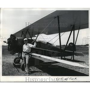 1972 Press Photo David J. Jameson with Travel Air 4000 plane, built in 1924