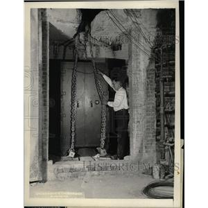 1928 Press Photo Fire Test/Safes/Bureau of Standards - RRX71943