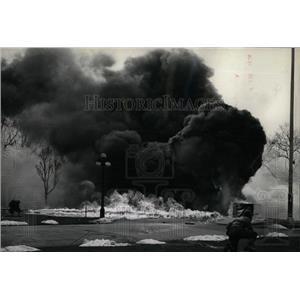 1944 Press Photo Smoke Flame Rokcy Mountain Modern war - RRX79217
