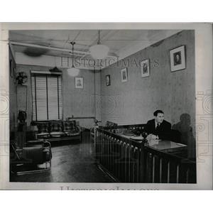 1948 Press Photo Communists Political Aim Society Room - RRW89303