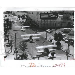 1982 Press Photo 4 Antique Planes Rolled Toward Jannus