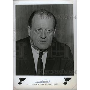1967 Press Photo Club Hockey Lynn Patrick Manager - RRW74521