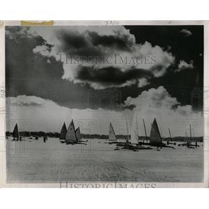 1960 Press Photo Ice Lake Sailing Chicago Area - RRW64417