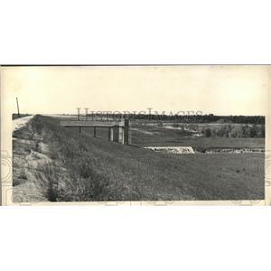 1958 Press Photo Addicks Dam, looking west from top - hca04751