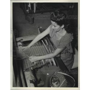 1949 Press Photo Worker on San Juan Island part of recovery , Puerto Rico. U.S.
