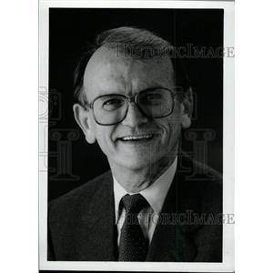 1989 Press Photo Louis R. Ross Executive VP - RRW76527