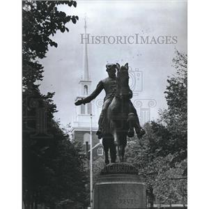 1987 Press Photo Paul Revere statue guards entrance to a Church, Massachusetts.