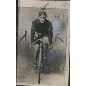 1940 Press Photo Cyclist R. A Moross on Bicycle- RSA13257
