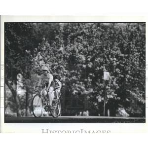 1982 Press Photo Woman Child Ride Bicycle Spring Day Ch