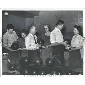 1941 Press Photo Husband-And-Wife Bowling Tournament