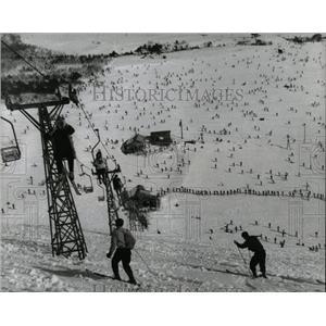 1953 Press Photo Japan country Skiing - RRX79625