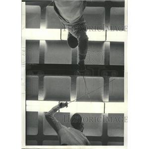 1977 Press Photo Lewis Wilkins & Glen Kosirog Fencing - RRW50823
