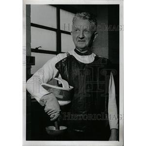 1977 Press Photo Charles Schmiter Fencing coach - RRW96709