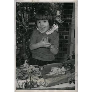 1951 Press Photo Liliana Displaced Refugee Christmas - RRX70297