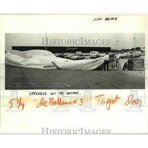 1984 Press Photo Hot Air Balloon is Spread Out in Parking Lot of Schwegmann
