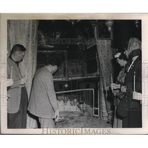 1953 Press Photo Inside the Church of Nativity in Bethlehem, Israel - mjx43957