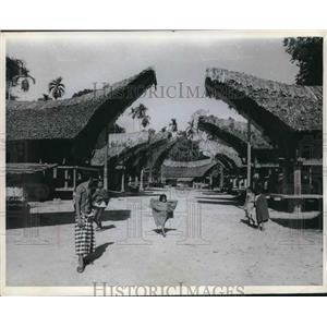 1969 Press Photo The main, and only, street in Rante Pelawa, Indonesia