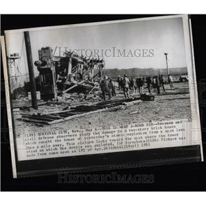 1955 Press Photo Crick house Bomb Civil Damage Atomic