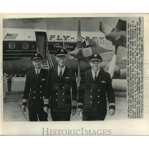 1961 Press Photo Miami-Crew of hijacked Eastern Airlines Electra plane
