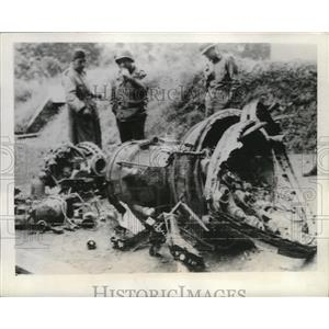 1944 Press Photo View of the wreckage part of a V-2 Bomb in Belgium - nem56734