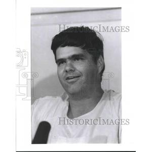 1988 Press Photo Troy Prater Delta Airlines Crash Survivor - hca20162