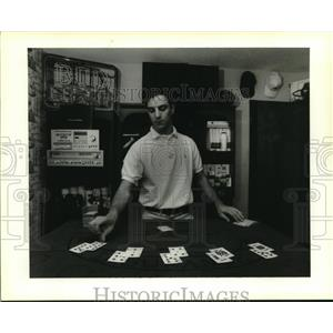 1994 Press Photo David Gilly deals blackjack on a home-made table in his bedroom