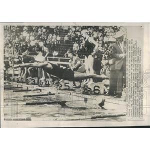 1952 Press Photo Mermaid Olympian Swimmer Starts Race - RRQ37119