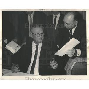 1968 Press Photo Earl Rashad Clark Phoenix Suns - RRQ14491