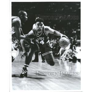 Press Photo Boston Celtics Forward Rick Fox - RRQ55447