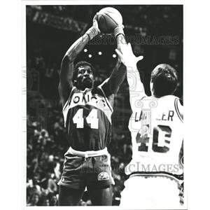 Press Photo Michael Cage Seattle Supersonics Basketball - RRQ62355