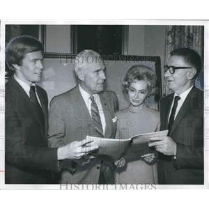 1970 Press Photo Alabama Anti-Litter Plans Heard by Civic Leaders - abno04722