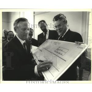 1993 Press Photo Signing of the Casino lease-Mayor and Chris Hammeter