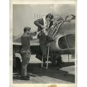 1948 Press Photo Don Smith prepares for the first American Trans oceanic Flight