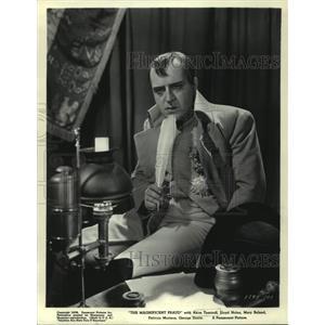 "1939 Press Photo Actor Akim Tamiroff in ""THE MAGNIFICENT FRAUD"" - mjp34040"