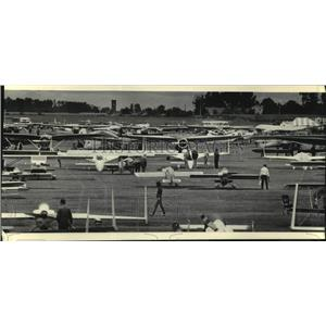1985 Press Photo Planes at the EAA Fly-In at Wittman Field, Oshkosh - mjc31508