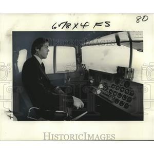 1977 Press Photo Captain John Moran, Goodyear Blimp - noo24300