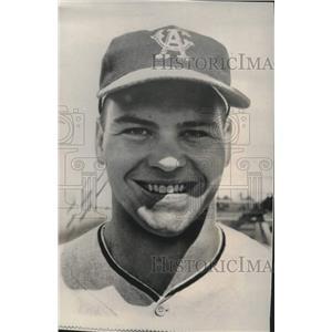1966 Press Photo Outfielder Rick Reichardt of Los Angeles Angels. - mjt20397