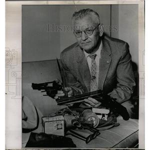 1939 Press Photo Capt WE Hagi William Coleroff guns use - RRW23627