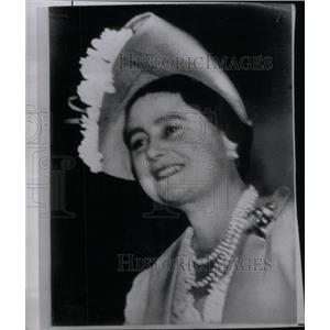 1950 Press Photo Queen Elizabeth Leaves Clarence house - RRX42383