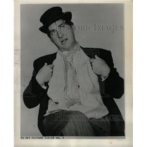 1958 Press Photo Isaac Sidney Sid Caesar Coach Calhoun - RRW13541