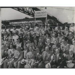 1944 Press Photo Chicago Delegation Cruiser - RRX97925
