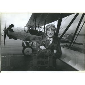 "1990 Press Photo Bi-plane pilot Elrey ""Jepp"" Jeppessen - RSC07485"