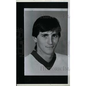 1986 Press Photo Mark Laforest Detroit Red Wings Goalie - RRX39509