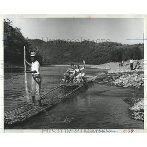 1963 Press Photo Tourists Raft Rio Grande River Jamaica - RRX83763